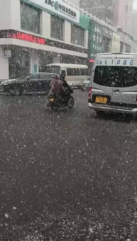 桓仁此时,大雪纷纷下!(王海霞)