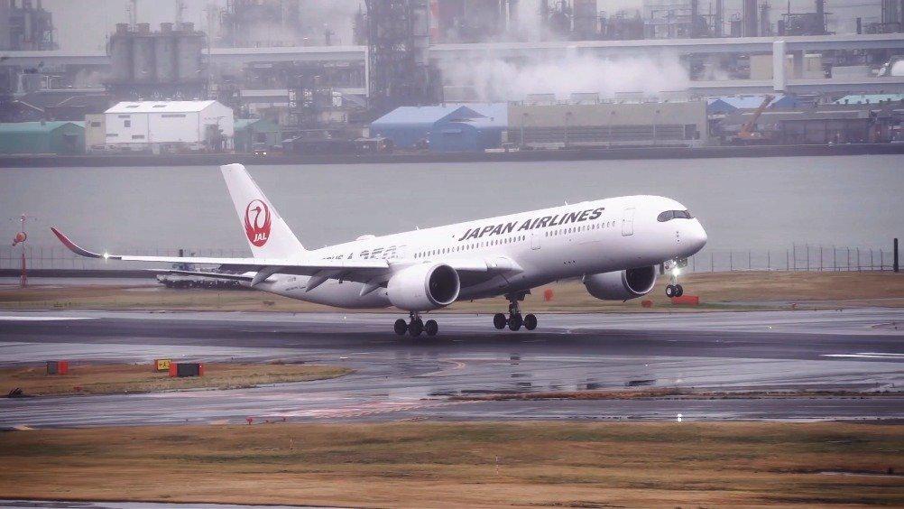 慢动作拍摄日航空客A350接地瞬间