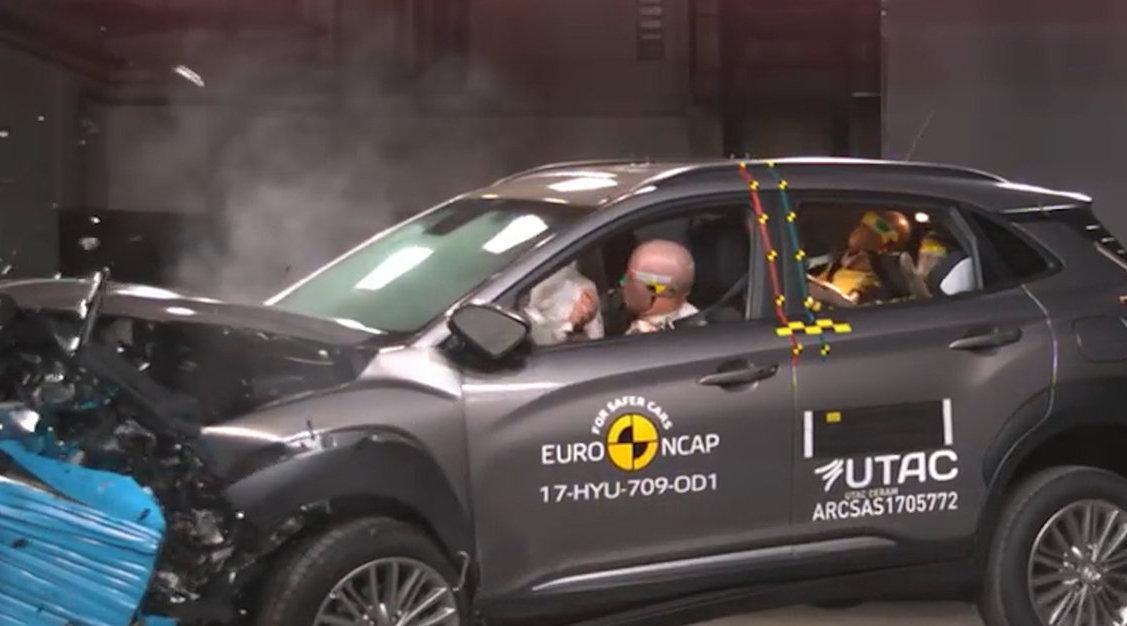 视频:小型SUV不安全?现代昂希诺碰撞测试结果,你怎么看?