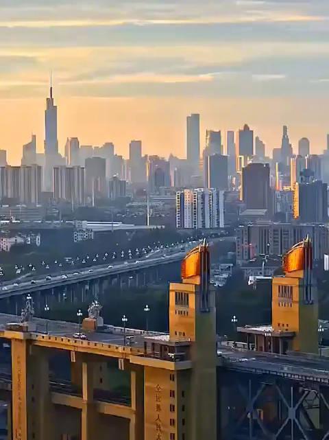 南京长江大桥,车水马龙才是国泰民安!@idavidlee