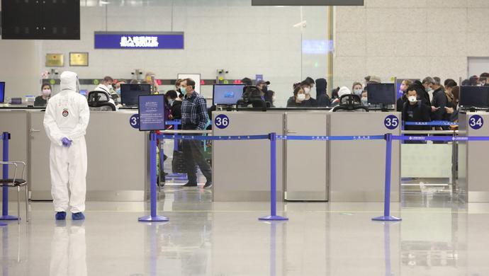 虹桥机场所有国际、港澳台航班转场至浦东机场后 上海边检调配警力增援图片