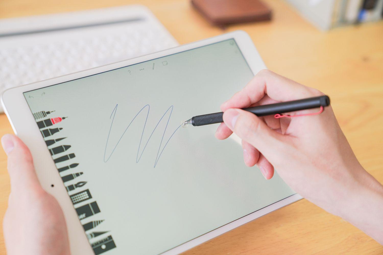 游动于任何触屏设备的神奇触控笔