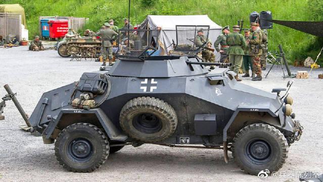 德军SD.KFZ 222装甲侦察车在伊利诺伊州南埃尔金军迷活动上