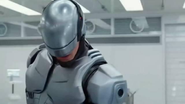 男子意外之后醒来,发现自己被改装成了机器人