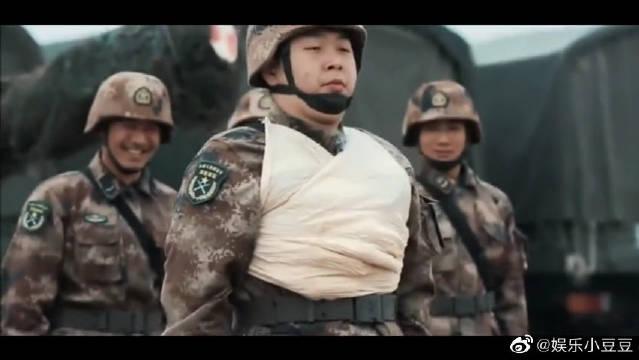 刘昊然、杜海涛练包扎,承包了我一个月的笑点