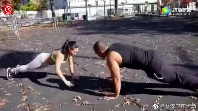 美女亲身示范腿部力量锻炼,一起来试试吧!