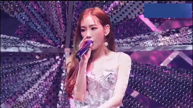 少女时代金泰妍首尔演唱会《Gemini》 泰妍简直女神啊