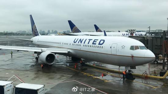 美联航警告:2万亿经济刺激计划不足以避免该公司裁员