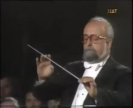 著名波兰作曲家克里斯托弗·潘德列茨基(Krzysztof
