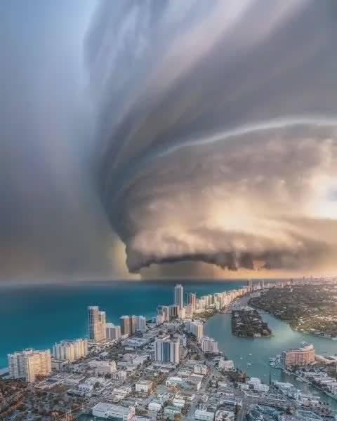 是那里的雷雨飓风?…所以以为是特效吗? 美国旅行的日常,疫情结束