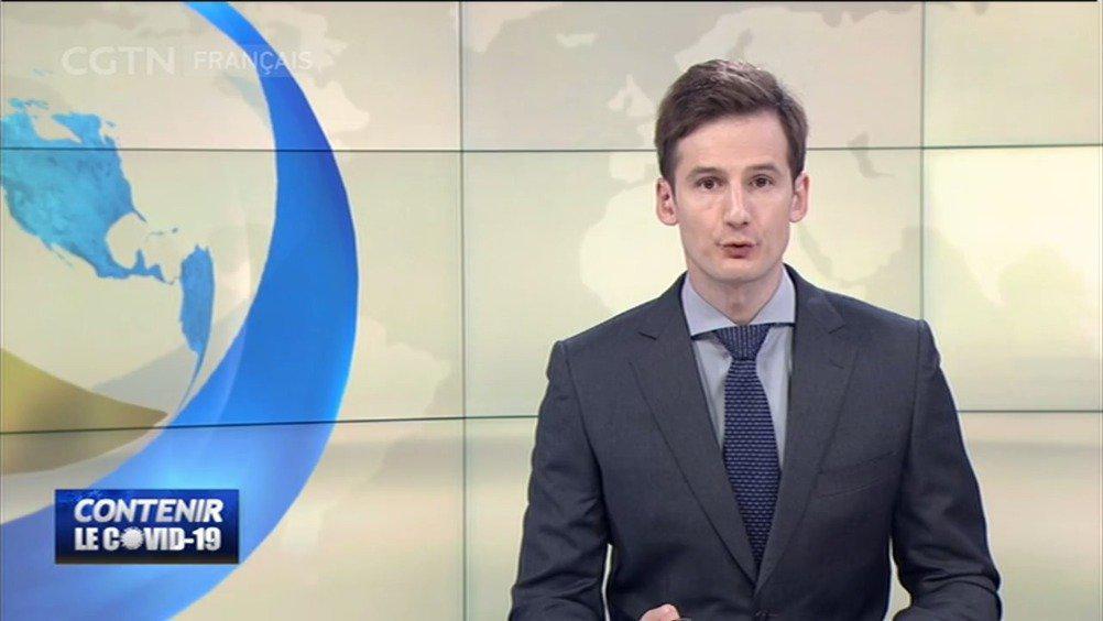 英国首相鲍里斯敦促英国民众在新冠肺炎疫情期间待在家中