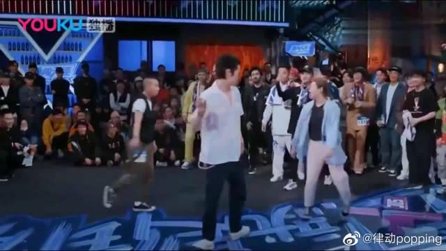 队长吴建豪的舞蹈合集!当吴建豪躺地上时,感觉比女人还妩媚!