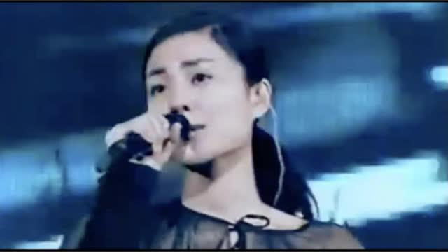 王菲1999年唱游大世界日本武道馆演唱会上的《半途而废》