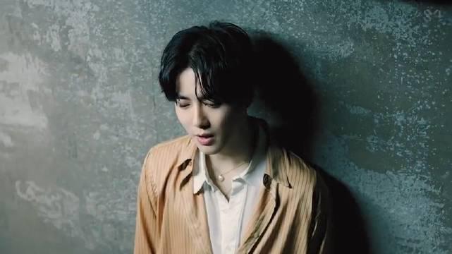 EXO队长金俊勉首张SOLO专辑《Self–Portrait》主打曲《Lets