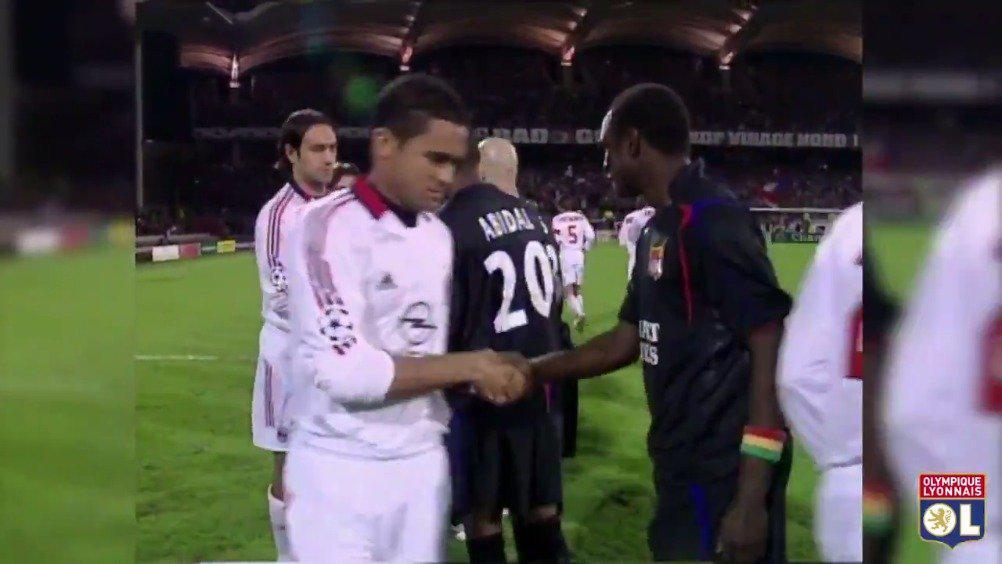 2006年3月29日,里昂与AC米兰在欧冠联赛四分之一决赛中相遇