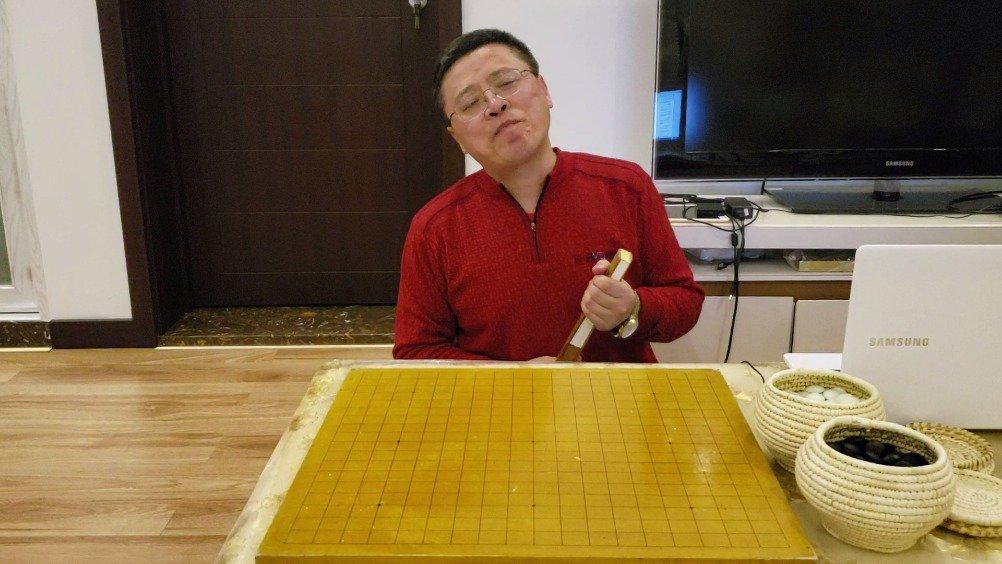 围棋文化常识  人机大战(五)——柯洁,很不服气!