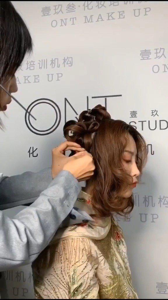 中式新娘发型的教学分享:壹玖叁造型