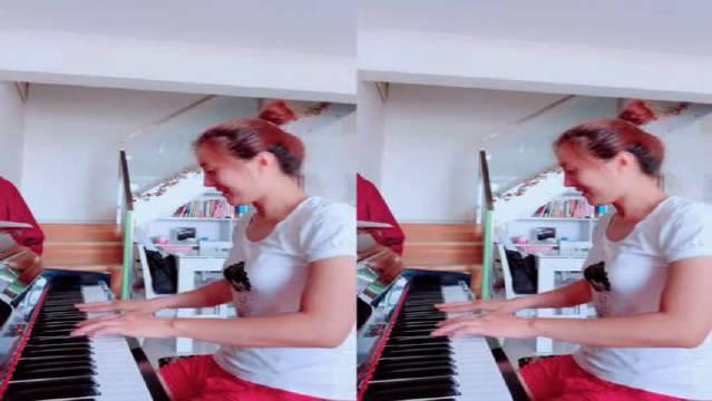 钢琴版《痛苦的心》,我这颗心吧,就听音乐的时候才不会痛!