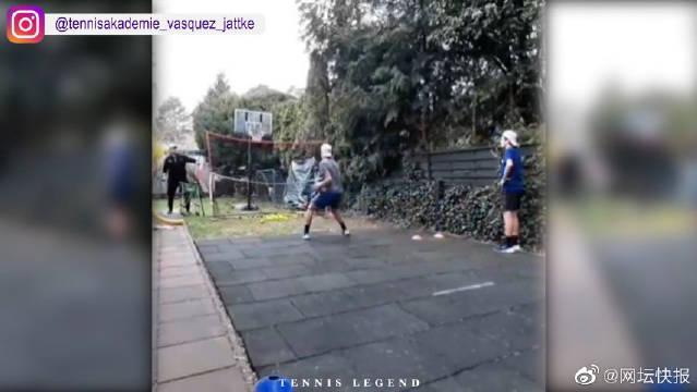 疫情期间全世界的网球爱好者是怎么在家练网球的?