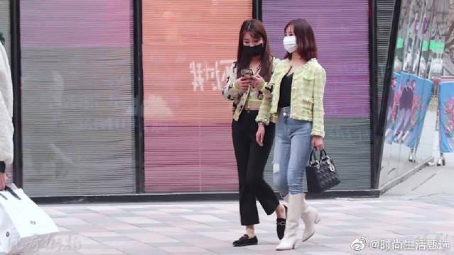 姐姐们爱穿长靴,过膝不过膝都瘦腿,搭配牛仔裤短裙街拍都很时尚!