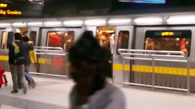 印度发展有多快?带你看看印度首都德里地铁,建设真不错!