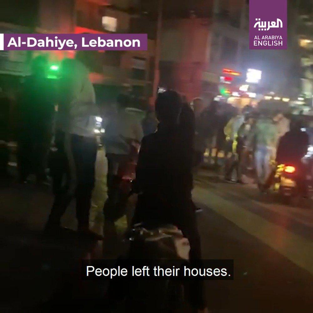 黎巴嫩,大批民众无视政府的封城令,上街抗议政府抗疫不力