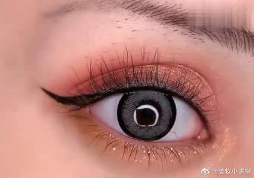 火爆的欧美大眼美妆,迷人电眼吸睛又性感秒变电眼女神