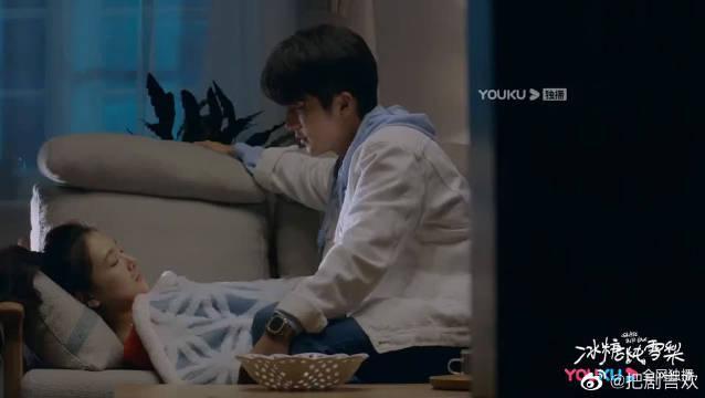吴倩&张新成爸妈不在家,棠雪带黎语冰回家过夜,一个敲门声