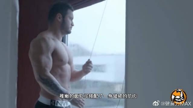 这个少年不简单!17岁2年增肌20斤,肌肉形态特别完美!