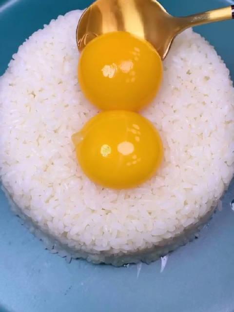 粒粒分明的黄金蛋炒饭,就这么简单!