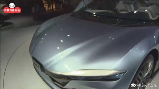 观致七彩车引人注目透明质感的跑车惊艳眼球