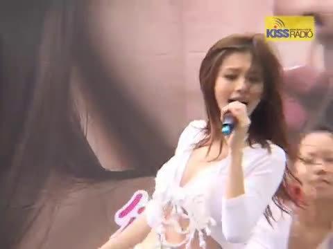2005年徐若瑄专辑《狠狠爱》签售会演唱新专辑主打《狠狠爱》Live