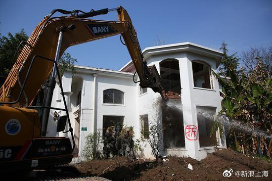 """公共绿地竟成""""私家花园""""近20幢违建别墅将被拆除"""