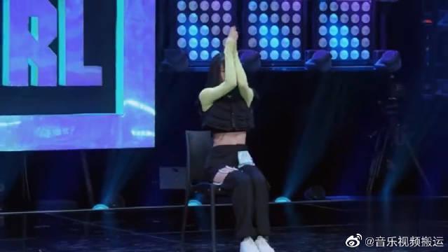 碰瓷小松菜奈的段小薇solo舞蹈,这是在讽刺闭着眼睛抄袭都能拿A吗?