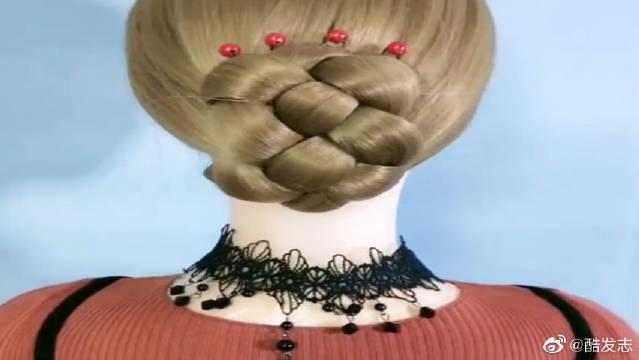优雅又大方的发型,一年四季百搭款,帮妈妈学起来!学会给她扎~