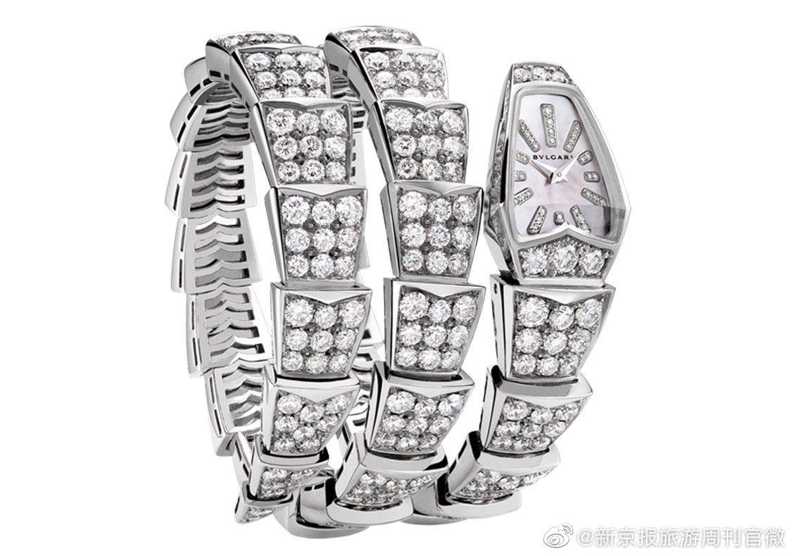 神秘奢华的宝格丽蛇形珠宝腕表。20世纪40年代初