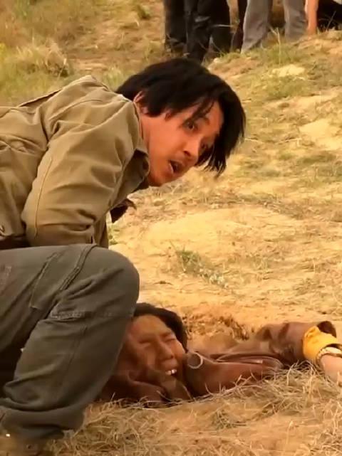 这部剧拍摄时候真的绝了,还真埋了........怪不得金爷都吓哭了