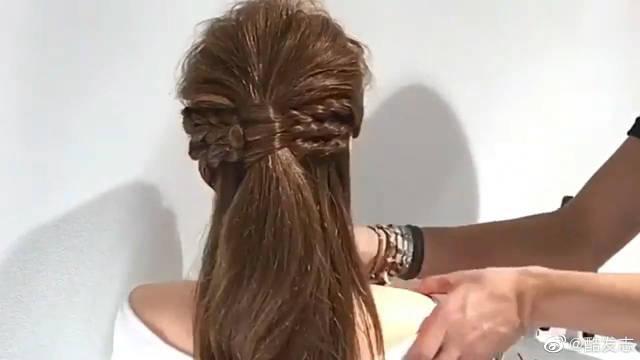 教你用一个特别简单的方法,扎一款优雅又百搭的发型!出门这么扎