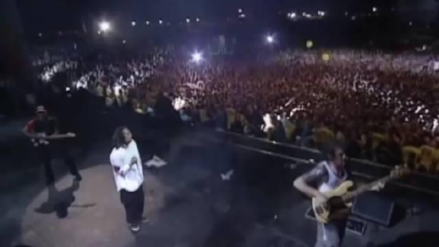 暴力反抗机器乐队20年前伍德斯托克音乐节演出!