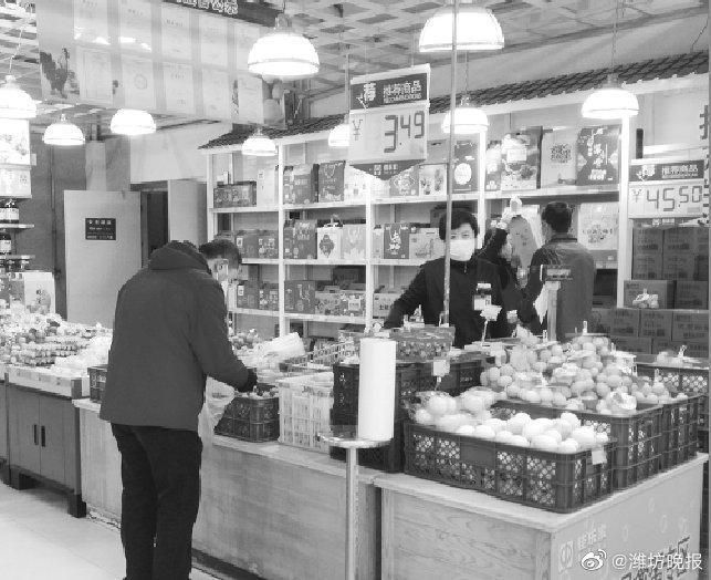 鸡蛋市场售价每斤在3.5元上下,市民淡定不用囤货