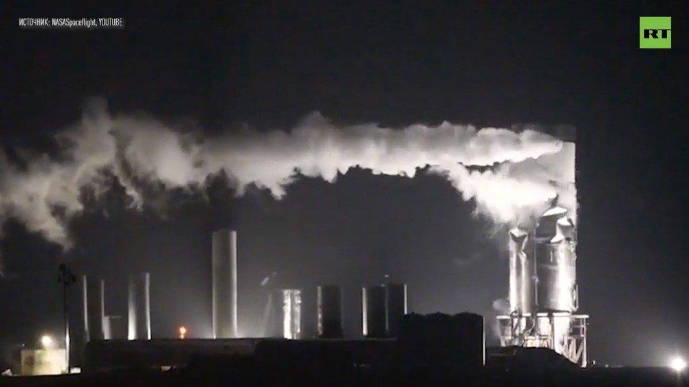 """SpaceX第三艘星际飞船原型机""""SN3""""在测试中爆炸"""