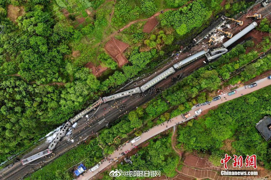 国务院安委办通报郴州脱轨事故: 郴州脱轨事故初判为泥石流滑坡引起