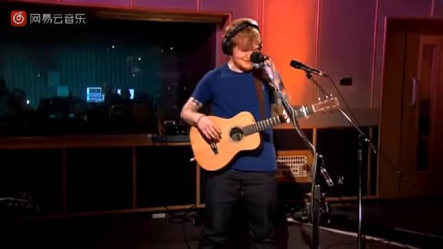 这么多人爱着黄老板,当时看完黄老板Ed Sheeran的《I See Fire》MV