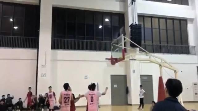 中国民间野生库里!野生版黑子篮球绿间真太郎!过半场就扔!