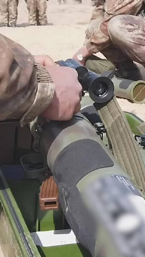 步兵单兵火箭筒,威力爆表!  (中国青年报)