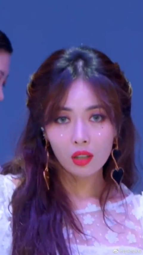 金泫雅的美貌犯规了,不愧是韩国的超级御姐