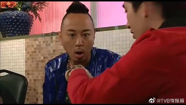 黑社会似乎都很喜欢一边吃火锅一遍谈判!