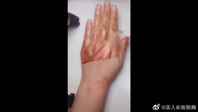自制的蜂蜜手膜,效果是真明显,洗下手不会就恢复出厂设置了吧!