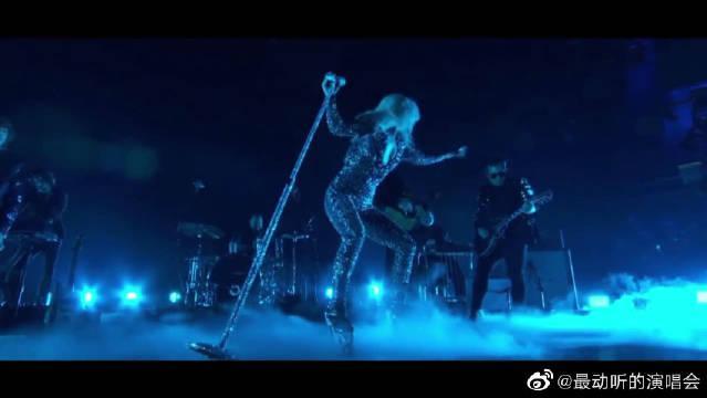 LadyGaga表演《一个明星的诞生》主题曲《Shallow》