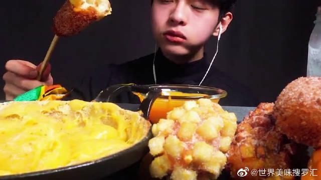 大胃王吃播:芝士热狗加奶酪火锅,也只有韩国人才会这么吃